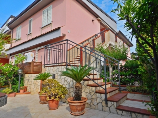 Scalea Terraced House