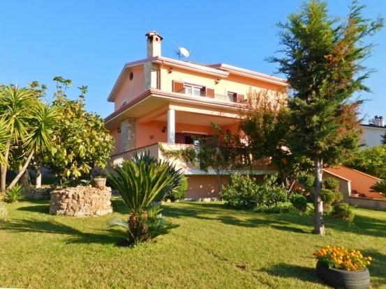 Santa Maria Del Cedro  Villa